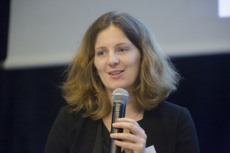 TB 1 - Moderator - Julie Miecamp (1)